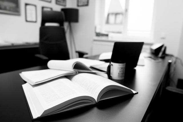 BANDO DI CONCORSO BORSE di STUDIO STUDENTI MERITEVOLI - Scuole secondarie e laureati